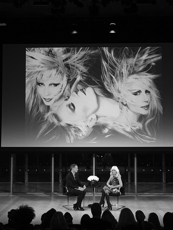 crushfanzine-donatella-versace-with-maria-luisa-frisa-and-stefano-tonchi-discussion-rizzoli-publishing-william-j-simmons-bw