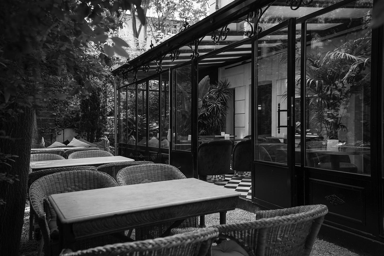 crushfanzine-cf-travel-hotel-bar-le-tres-particulier-exterieur-credit-photo-jefferson-lellouche